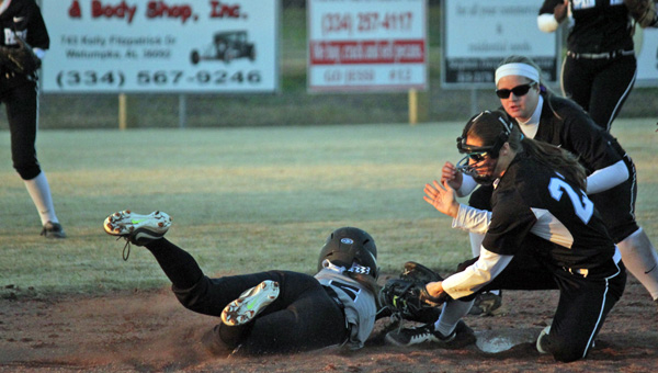 Spain Park's MaryKatherine Tedder applies the tag to a Wetumpka runner for the third out of the fifth inning. (Contributed/Griffin Pritchard)
