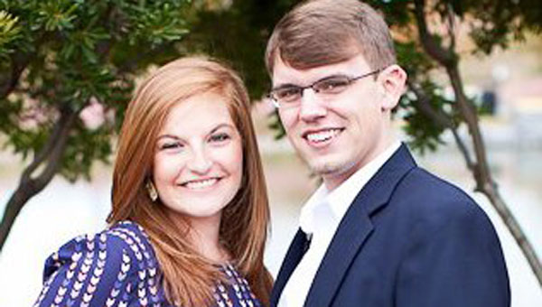Abby and Les Rayburn of Helena are excited to announce the engagement of their daughter, Samantha Rayburn to Kenneth Patterson of Trussville. (contributed)
