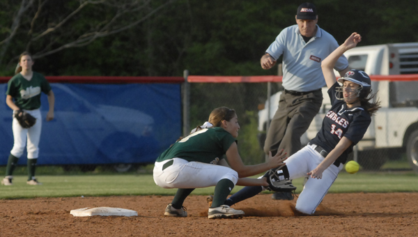 Pelham's Emily Spain prepares to tag out Oak Mountain's Taylor Shivers as she tries to steal second in the Panthers' 5-2 area victory April 16. (Reporter photo/Mickel Ponthieux)