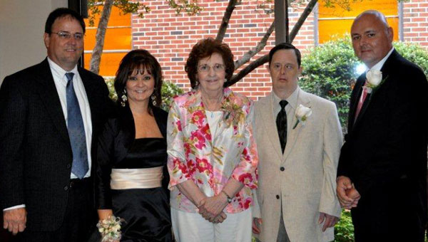 Carolyn Niven, center, with her children, from left, Gary Niven, Lori Niven King, Mark Niven, Carl Niven. (contributed)