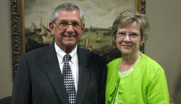Vincent Mayor Ray McAllister and his wife, Evelyn. (contributed)