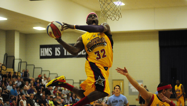 The Harlem Wizards entertain the crowd at HMS on Oct. 1. (Reporter Photo/Jon Goering)