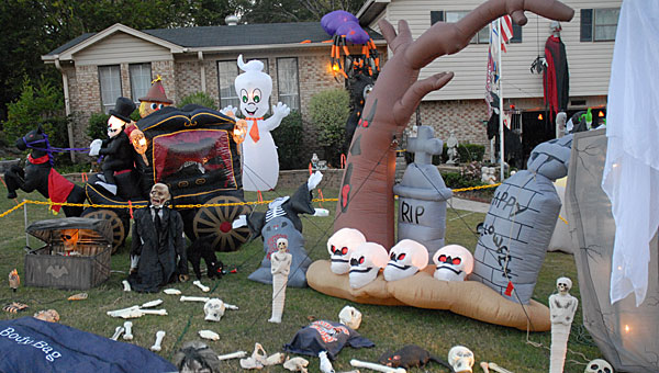 Pelham resident Jim Phillips' yard is filled with everything from giant spiders to life-size talking figurines. (Reporter Photo/Neal Wagner)
