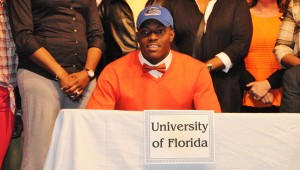 Kingwood's C'Yontai Lewis signed a letter of intent to play for the Florida Gators Feb. 5. (Contributed)