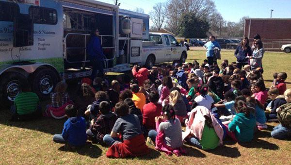 Students participate in Montevallo FFA Farm Day (contributed)