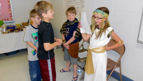 Helena Elementary students dressed in traditional costume from various cultures and presented their research to parents and students on April 11. (Reporter Photo / Molly Davidson)