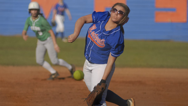 Montevallo's Destiny Upton delivers a pitch in an April 10 matchup with Leeds. (Reporter Photo/Drew Granthum)