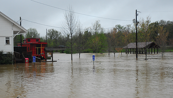 Flood waters rose several feet at Alabaster's Warrior Park after heavy overnight rains on April 7. (Reporter Photo/Neal Wagner)