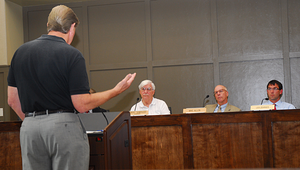 Rick Nicholson, left, speaks to members of the Alabaster Planning and Zoning Commission during its May 27 meeting at Alabaster City Hall. (Reporter Photo/Neal Wagner)