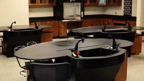 A science laboratory in the new Helena High School building, equipped with freestanding lab tables, will be used by any student taking a lab sciene course. (Reporter Photo / Jon Goering)