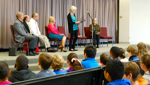 First Lady of Alabama Dianne Bentley read to Valley Intermediate School students on Oct. 22. (Reporter Photo / Molly Davidson)
