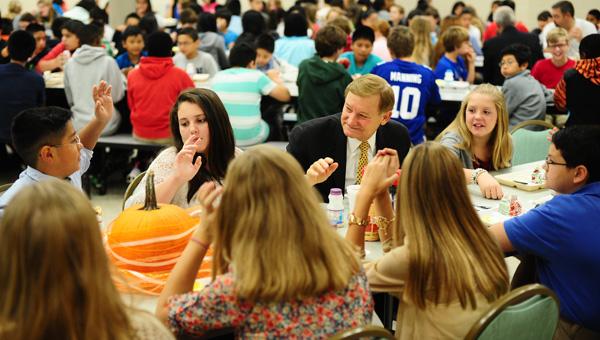 U.S. Congressman Spencer Bachus visited Riverchase Middle School for breakfast on Oct. 3. (Reporter Photo / Jon Goering)