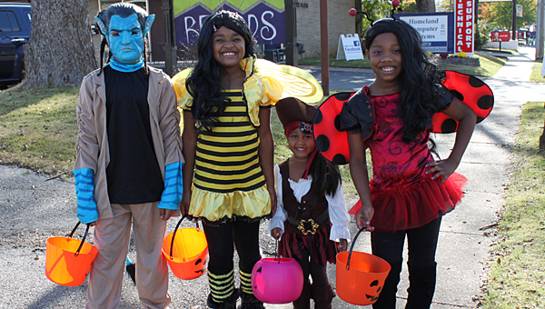 Kids will have a chance to fill their treat bags at trunk or treat at the Alabaster YMCA on Oct. 28. (File)