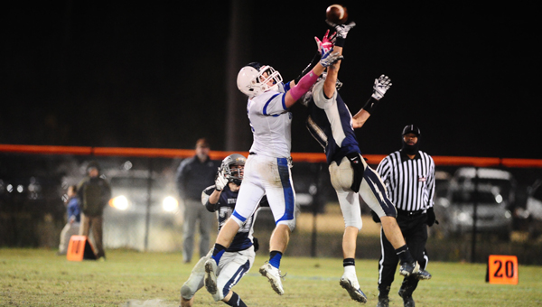 Evangel's Micah Murphy reaches for a pass in the ACSC State Championship game on Nov. 7. (Reporter Photo/Jon Goering)
