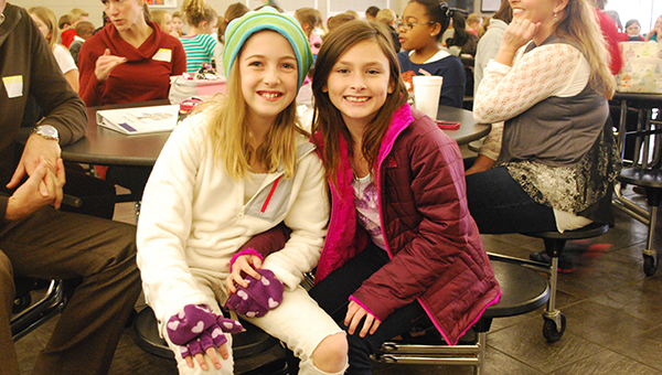 Mt Laurel Elementary School fourth graders Gabi Sumner and Lauren Crowson discussed what they were thankful for during their Thanksgiving lunch on Wednesday, Nov. 19. (Reporter Photo/Graham Brooks)