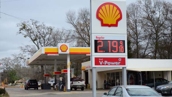 Gas stations, like this one in Wilsonville, have seen a decrease in the price of gas in the last six months. (Reporter Photo/ Baker Ellis)
