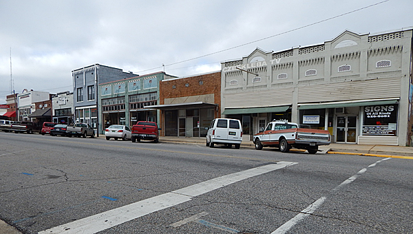 Montevallo Main Street businesses such as Czeskleba TV Repair and The Main Street Tavern weigh in on their holiday sales. (reporter photo/ Jon Harrison)