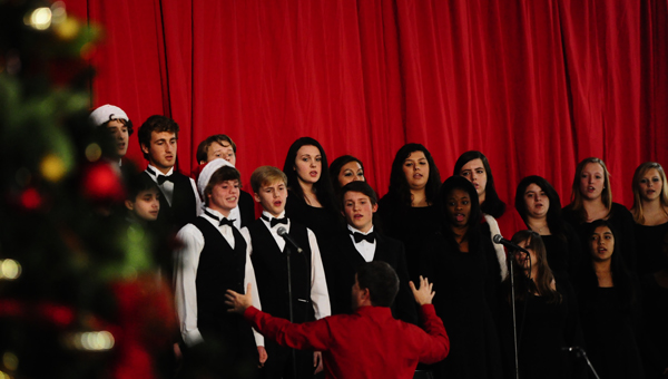 Pelham students sing at the city's Christmas tree lighting ceremony on Dec. 1 at the Pelham Civic Complex and Ice Arena. (Reporter Photo / Jon Goering)