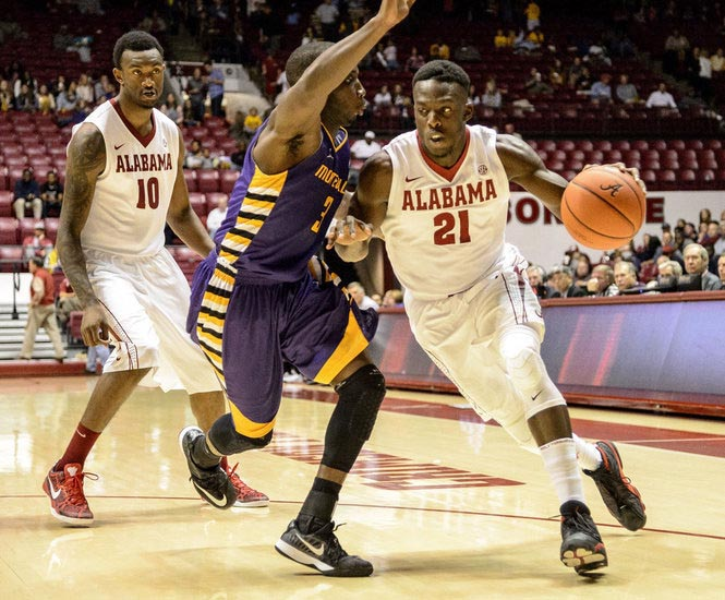 Monetvallo's Skykeem Jackson, shown here in action against Alabama, recorded his first double-double of the year as the Falcons won on the road 69-57. (Contributed)
