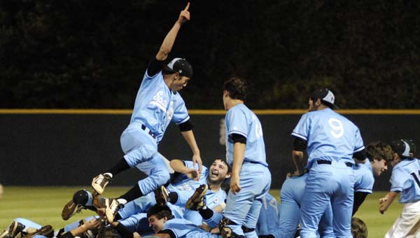 Spain Park won the 2014 6A baseball state championship and is looking to carry that momentum into this season. (File)