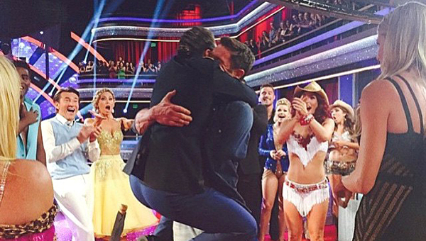 Noah Galloway embraces his girlfriend, Jamie Boyd, during the March 23 episode of Dancing with the Stars. (Contributed/Noah Galloway)