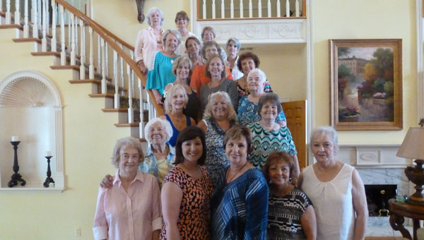 """Linda Major celebrated her 70th birthday at Oak Island, known at the """"Pink House"""" on Lay Lake. Pictured with Major are the luncheon's hostesses: Anne Davis, daughter Melonie Major Sturm, Major, Dolores Jones, Ouida Mayfield, Ann Head, Gerie Kelley, Becky Goggins, Joyce Tucker, Phyllis French, Rachel Richey, Ann McCulley, Betty Fulton, Beverly Hall, Janice Falkner, Darlene Rasco, Beth Glasgow, Carolyn Knowles, Jan Smith, and Rachel Fowler. Not pictured are: Diane Ellis, Carol Hill and Billie Tatum. (Contributed)"""