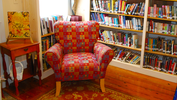There are plenty of cozy places to read just like this one in the Harpersville Library's new building. (Reporter Photo / Molly Davidson)