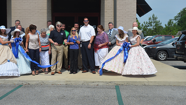A ribbon cutting was held on Thursday, July 16, for OnMark Physical Therapy to celebrate the opening of their newest location in Helena. (Reporter Photo/Jennifer Bailey)