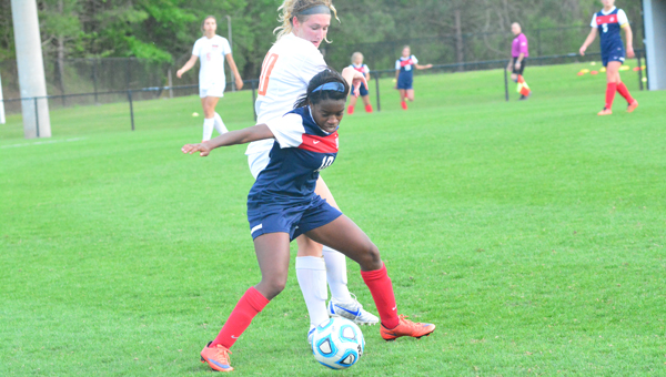 Hailey Whitaker and the Oak Mountain Lady Eagles beat Vestavia Hills in the Metro Championship on April 22 in overtime, advancing to 19-3-1 on the year. (File)