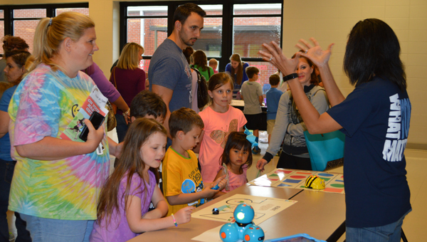 Families engage in STEM activities at Calera Elementary School's first STEM Night April 21. (Reporter photo/Jessa Pease)