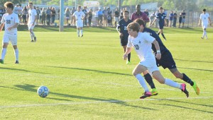 Helena's Landon Gaskins (10) scored 10 goals and added 18 assists for the 4A/5A state champion Huskies this season. (File)