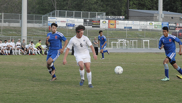 Helena senior Jeremy Hughes (5) and the rest of the Huskies are returning to the 4A-5A Final Four for the second consecutive season after defeating Demopolis 2-1 in overtime on May 7. (Reporter Photo/Graham Brooks)