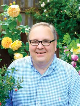 Chris VanCleave shares his love for roses through blogs, talks, and appearances.