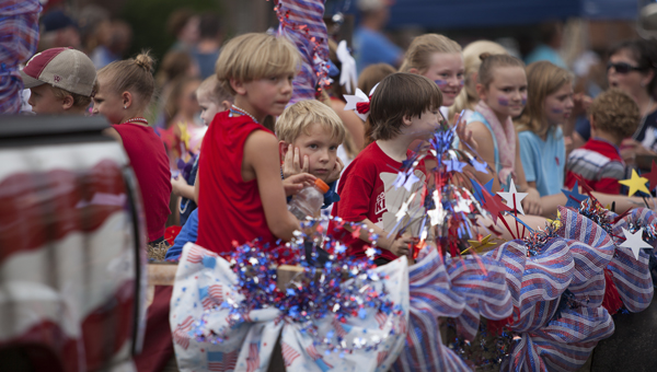 Columbiana's annual Liberty Day celebration, now in its 30th year, drew thousands of people of all ages this year. (For the Reporter/Kevin McKee)
