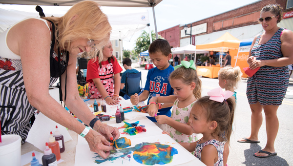 The Shelby County Shindig offered a variety of activities for adults and children, including arts and crafts and live music. (Reporter Photo/Keith McCoy)