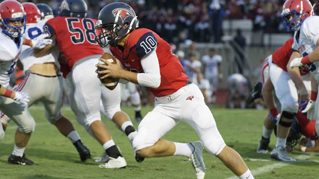 Oak Mountain's Jackson Kimbrell looks for room to run during the Eagles' 34-7 win over Vestavia on Sept. 9. (Contributed / Barry Clemmons)