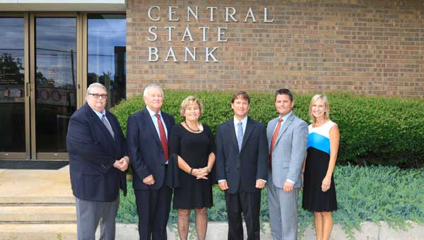 Pictured, from left, are David Downs, Bill Schroeder, Degee Schroeder, Mitt Schroeder, Shane Schroeder, and Shanda Watts.