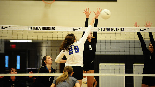 Chelsea's Jules Hamer (29) led the Lady Hornets with 16 kills in a win over Helena on Tuesday, Sept. 27. (Reporter Photo/Graham Brooks)