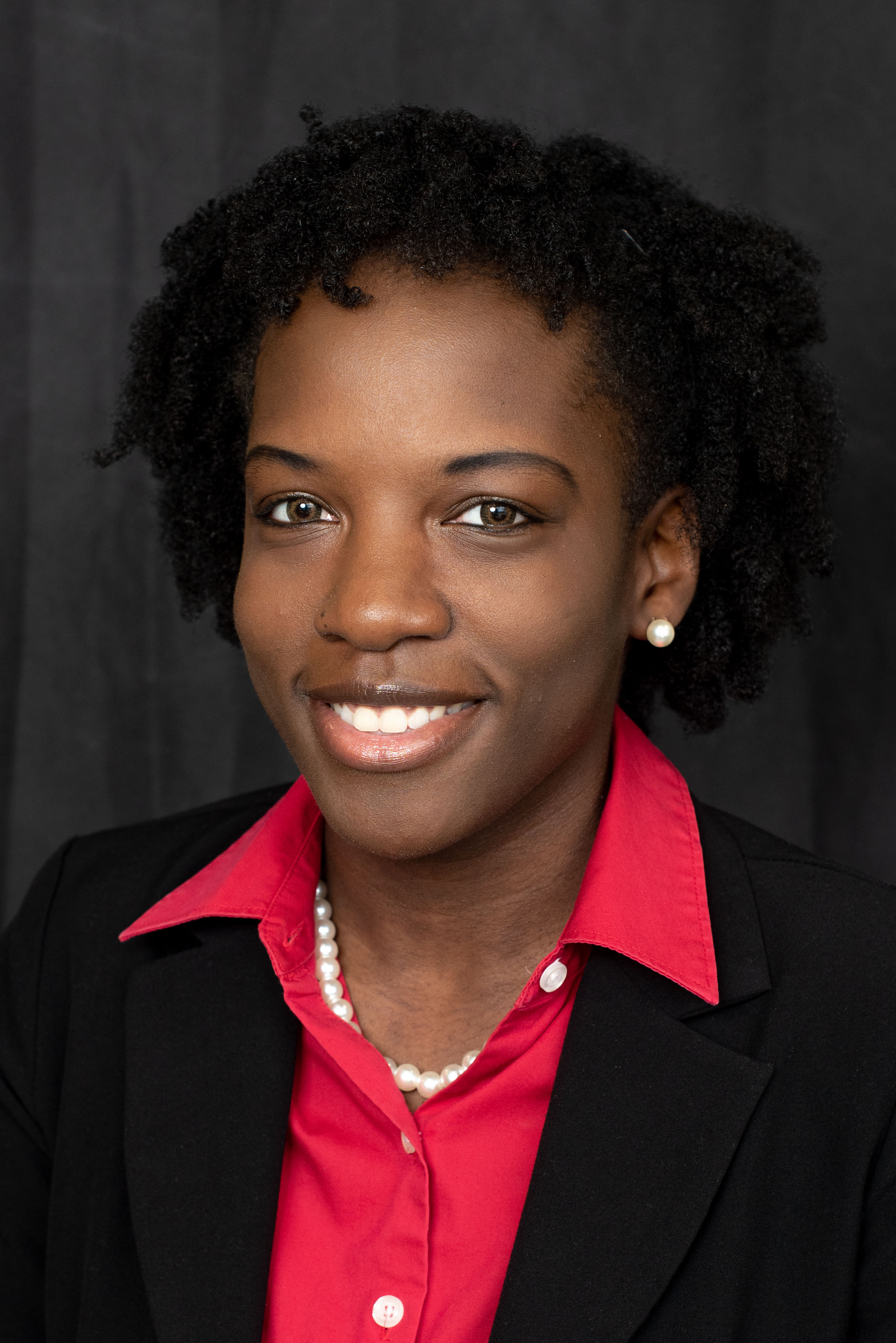 Darniqua Bowen : Marketing Assistant